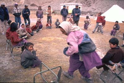 Ladakhi children learning about snow leopards – photo by Nandita Jain