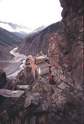 Milarepa Gompa: Drakar Taso Hermitage